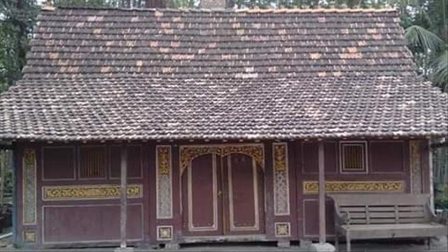 Mengapa Rumah Orang-orang Jawa Selalu Menghadap Utara atau Selatan? (218676)