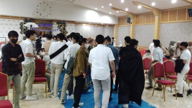 VIDEO: Siswa SMA Dugem di Kantor Bupati, Berjoget Seperti di Diskotek (80983)