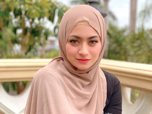 Deretan Artis Ini Jalani Puasa Ramadhan Pertama Usai Putuskan Jadi Mualaf (4230)