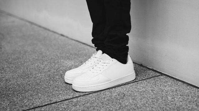 Terima Kasih, si Sepatu Putih (12676)