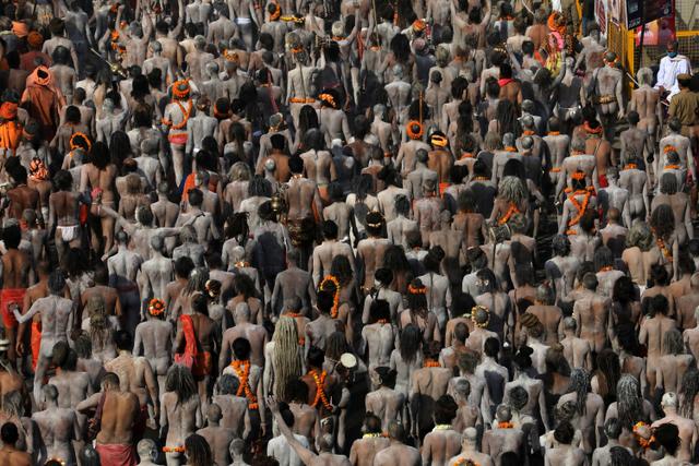 Menilik Kumbh Mela, Festival Keagamaan Hindu yang Picu Tsunami COVID-19 di India (398062)