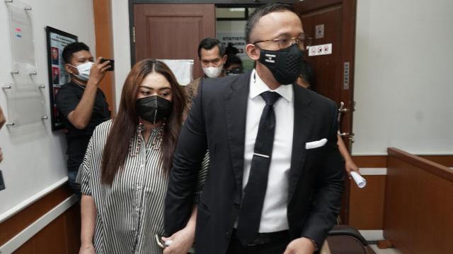 Thalita Latief Tak Tuntut Harta Gana-gini ke Dennis Lyla: Apa yang Mau Diminta? (76202)