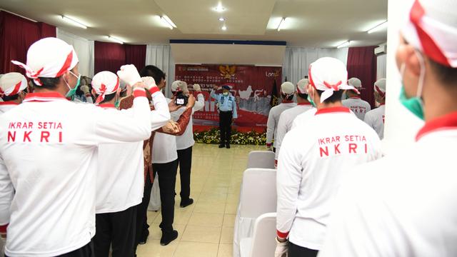 34 Napi Terorisme di Lapas Gunung Sindur Cium Merah Putih, Ikrar Setia pada NKRI (122562)