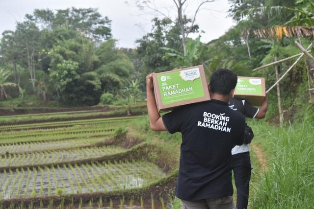 IZI Perwakilan Jatim Salurkan Paket Ramadan Hinga Daerah Pelosok (230287)
