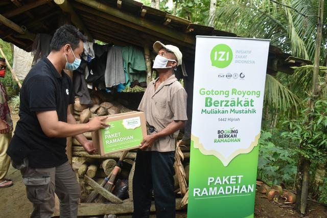 IZI Perwakilan Jatim Salurkan Paket Ramadan Hinga Daerah Pelosok (230289)