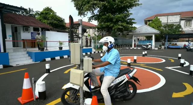 Berita Populer: Deretan Fakta SIM Terbaru; Bedah Daihatsu Rocky Paling Murah (2694)
