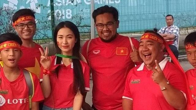 Jatuh-Bangun Hendri Mulyadi: Dulu Suporter Viral, Kini Dagang Es Buah (372681)