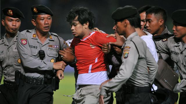 Jatuh-Bangun Hendri Mulyadi: Dulu Suporter Viral, Kini Dagang Es Buah (372680)