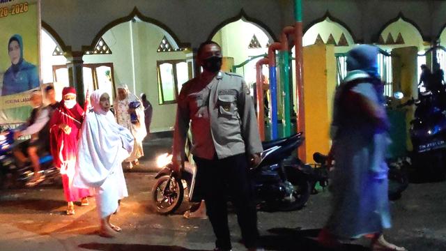 Masjid di Morowali Dijaga Polisi, Jemaah Harus Pakai Masker (315030)