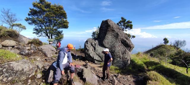 Mengintip Kembali Thekelan, Jalur Pendakian Tertua Merbabu (Bagian 2) (11200)