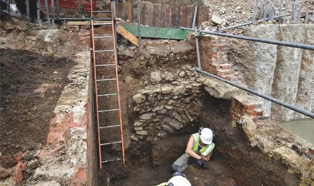 Toilet Kuno Usia 800 Tahun Ungkap Orang Yahudi Inggris Tidak Makan Babi (138686)