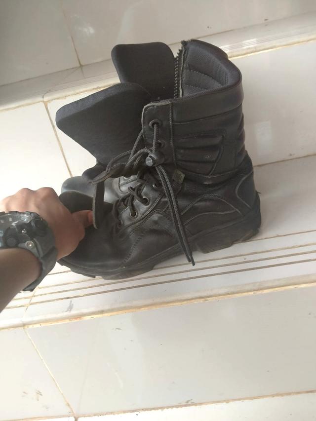 Melihat Sepatu PDL Damkar Depok yang Dipersoalkan Sandi Ada Dugaan Unsur Korupsi (1030133)