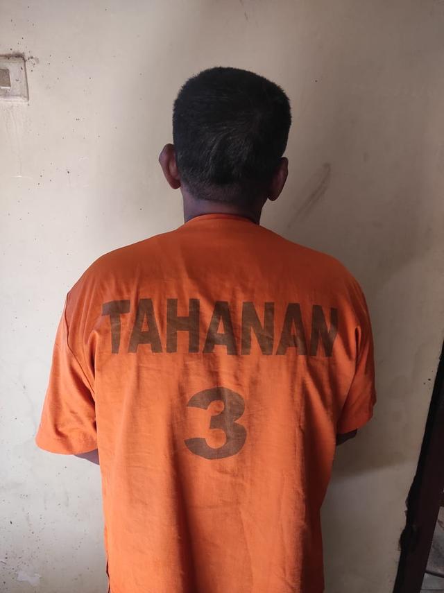Ayah Tiri di Lampung Barat Setubuhi Anak Tirinya yang Berumur 11 Tahun (175787)