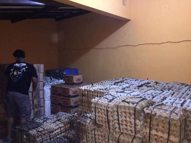 Pengusaha Semarang Kirim 1 Ton Telur dan 100 Kardus Air Minum untuk Gempa Malang (454045)