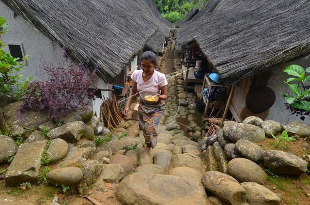 Rumah Adat Jawa Barat di Kampung Naga Tasikmalaya dan Tipologinya (220830)