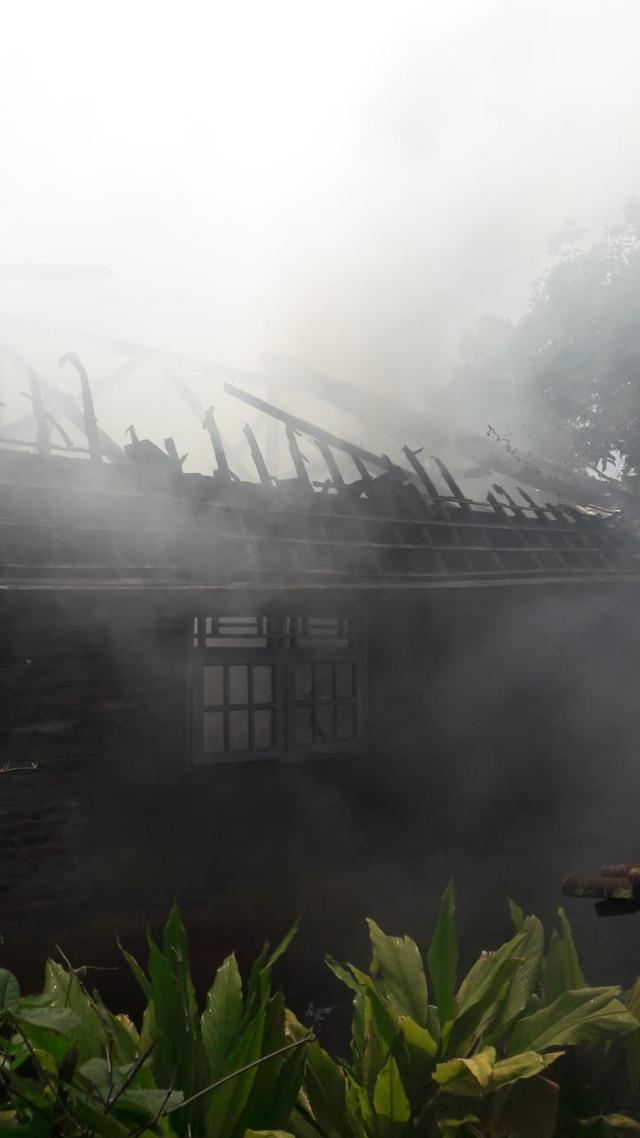 Rumah di Banten Terbakar, Uang Puluhan Juta dan 1 Unit Motor Ikut Hangus (28630)