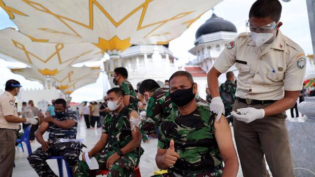 Vaksinasi Corona di Aceh Tetap Berjalan Saat Ramadhan (5084)