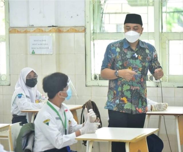 Usai Idul Fitri SD-SMP di Surabaya Uji Coba Tatap Muka, Masuk Hanya 25 Persen (329571)