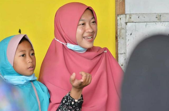 Kisah Umilia Dirikan Rumah Pintar Punggur Cerdas untuk Bantu Anak-anak Belajar (124516)