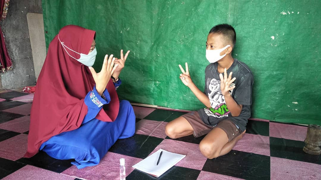Kisah Umilia Dirikan Rumah Pintar Punggur Cerdas untuk Bantu Anak-anak Belajar (124517)