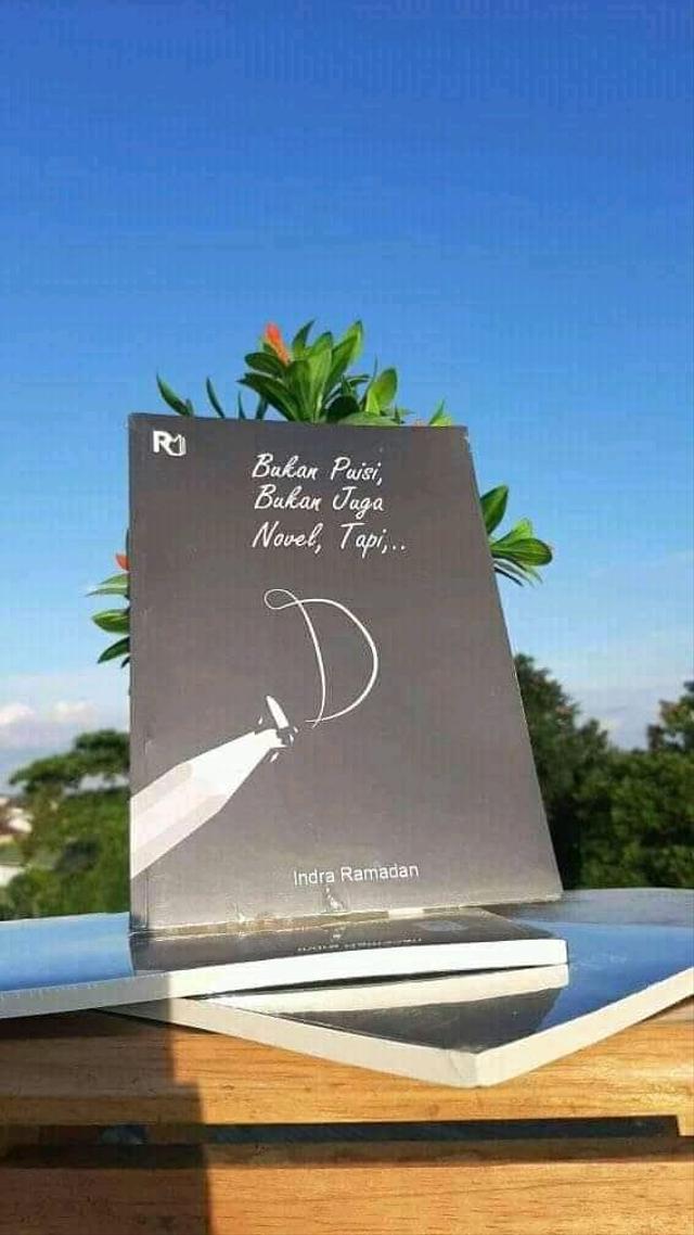 Disabilitas Tak Halangi Indra untuk Menulis Buku dan Memberdayakan Sesama (15882)