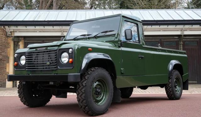 Cerita di Balik Land Rover Defender yang Jadi Mobil Jenazah Pangeran Philip (336407)