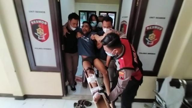 Penguntit Anak Bupati Brebes Pecatan Polisi, Bawa Narkoba Saat Beraksi (74116)