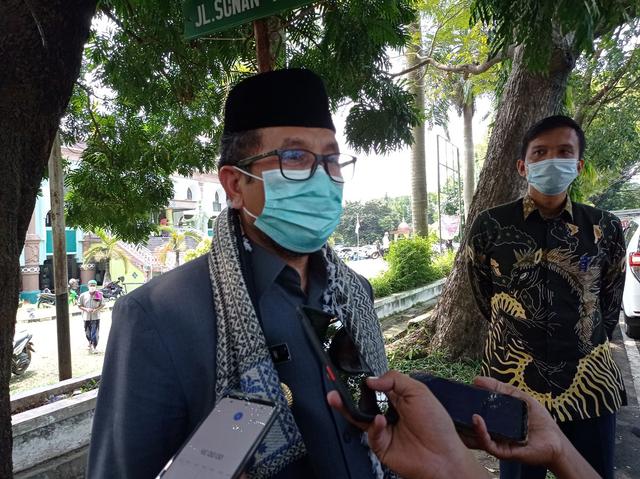 Bupati Cirebon Minta Perusahaan Tak Cicil THR Pekerja (249256)