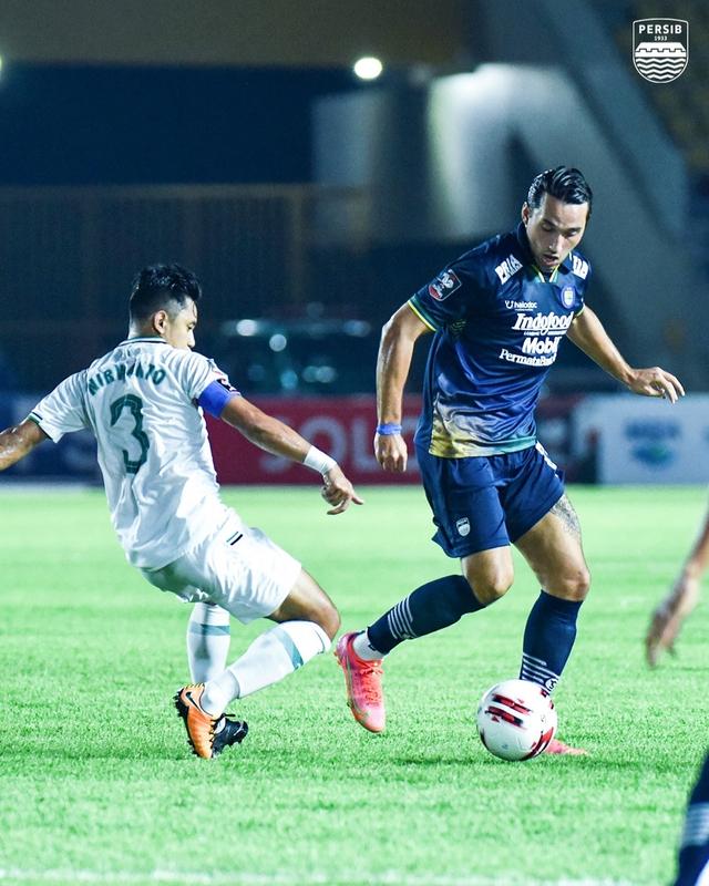 Persija vs Persib: Prediksi Line Up, Head to Head, & Jadwal Tayang (467535)