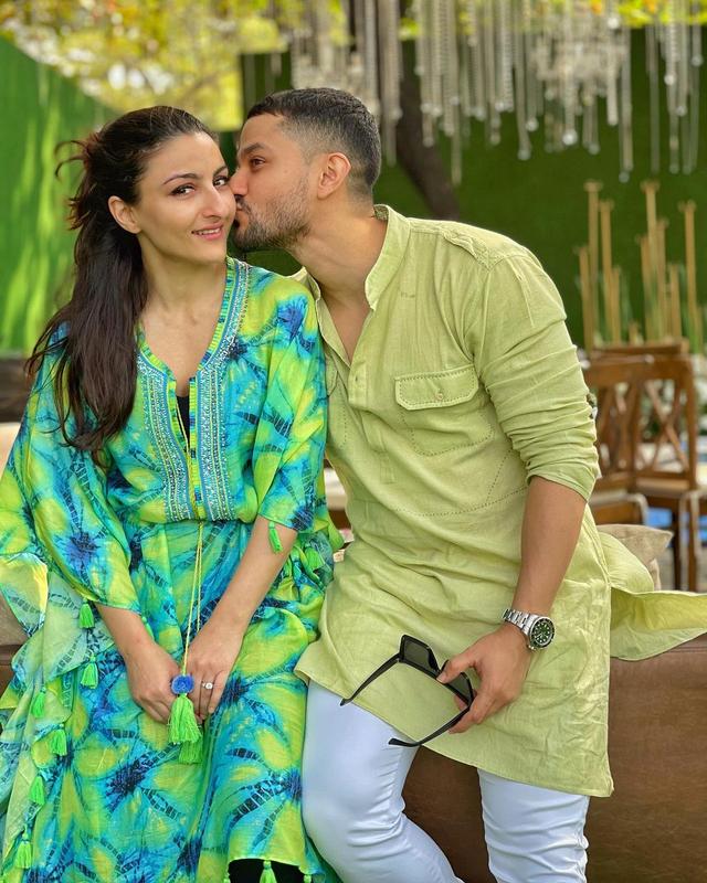 5 Artis Bollywood yang Puasa Ramadhan Ditemani Pasangan Beda Agama (54075)