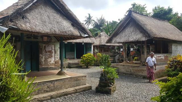 Rumah Adat Bali dan 3 Nilai Filosofis di Balik Bangunannya (210860)