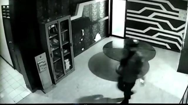 Beredar Video Sandi Petugas Damkar Depok Bawa Senjata Tajam ke Ruang Kerja (469647)