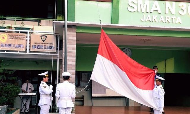 ILUNI 30 Harap Bangunan Liar di Depan SMAN 30 Jakarta Segera Dibebaskan (236097)