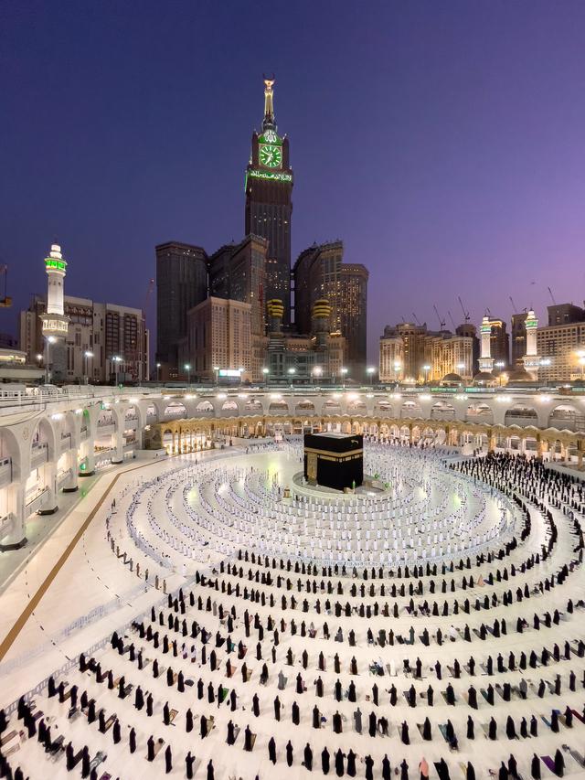 Foto Salat Magrib di Masjidil Haram yang Memukau (486467)