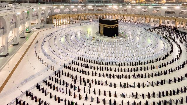 Foto Salat Magrib di Masjidil Haram yang Memukau (486468)