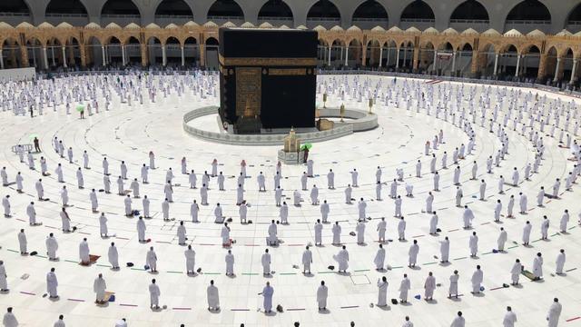 Foto Salat Magrib di Masjidil Haram yang Memukau (486469)