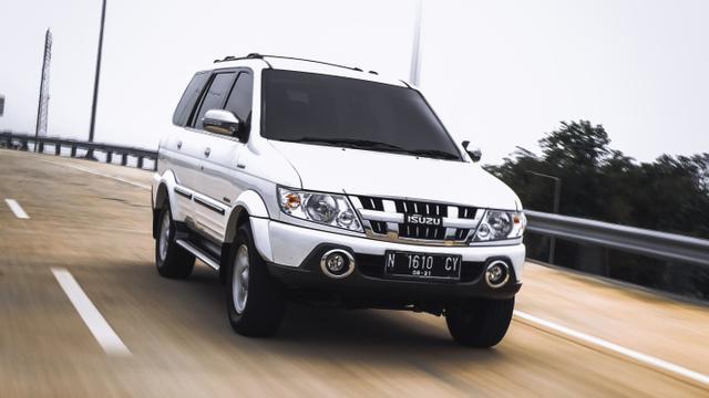 Isuzu Panther Pembuka Jalan MPV Diesel di Indonesia (270639)
