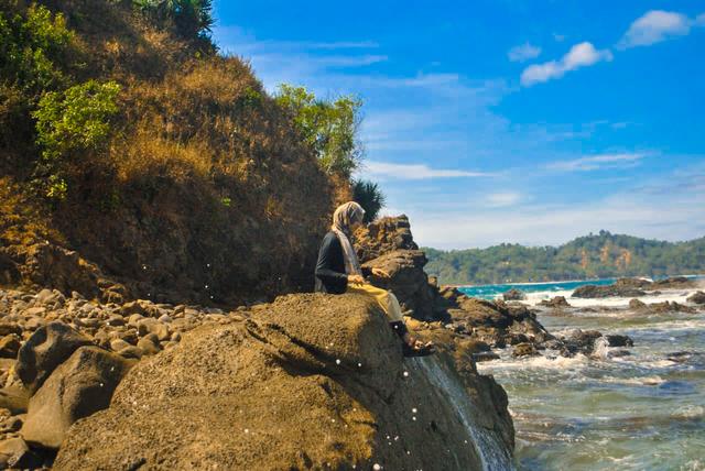 Surga Tersembunyi di Balik Bukit Gunung Kidul (10452)