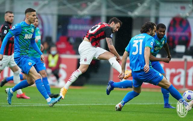 AC Milan vs Sassuolo: 2 Gol Menit Akhir Hancurkan Rossoneri di San Siro (634836)