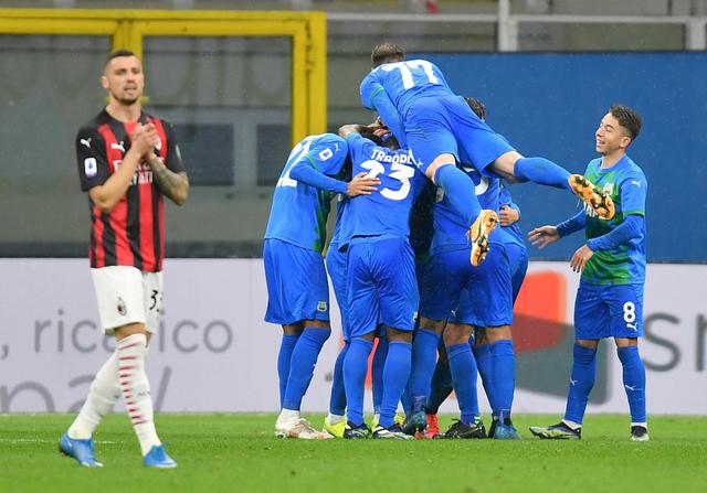 Foto: Aksi Sassuolo Permalukan AC Milan di San Siro (225341)