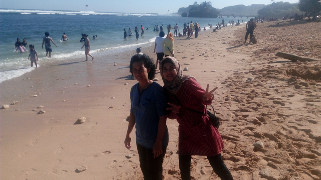 Pesona Cantik dan Indah Pantai Balekambang (21758)