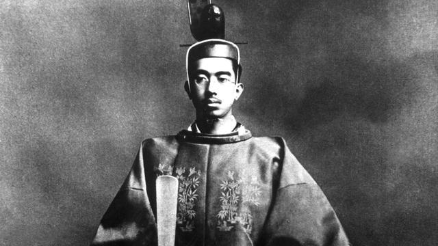 Deretan Tokoh Asing di Kamus Sejarah Jilid 1: Hirohito hingga Sneevliet (670544)