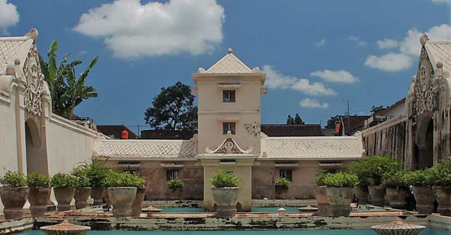 Tempat Wisata di Jogja yang Penuh dengan Sejarah, Kunjungi 3 Lokasi Ini (88273)