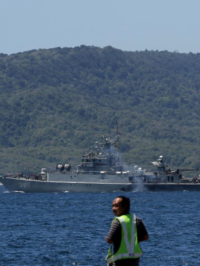 Foto: 5 KRI Siaga di Banyuwangi untuk Pencarian Kapal Selam KRI Nanggala  (136910)