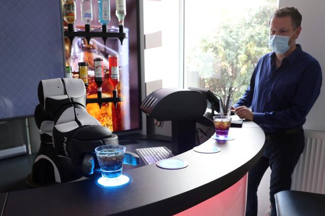 Foto: Melihat Robot Bartender dan Barista di Swiss (13342)