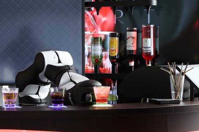 Foto: Melihat Robot Bartender dan Barista di Swiss (13340)