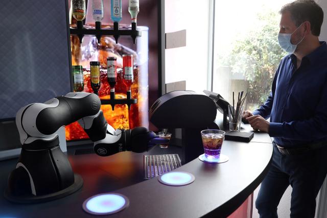 Foto: Melihat Robot Bartender dan Barista di Swiss (13339)