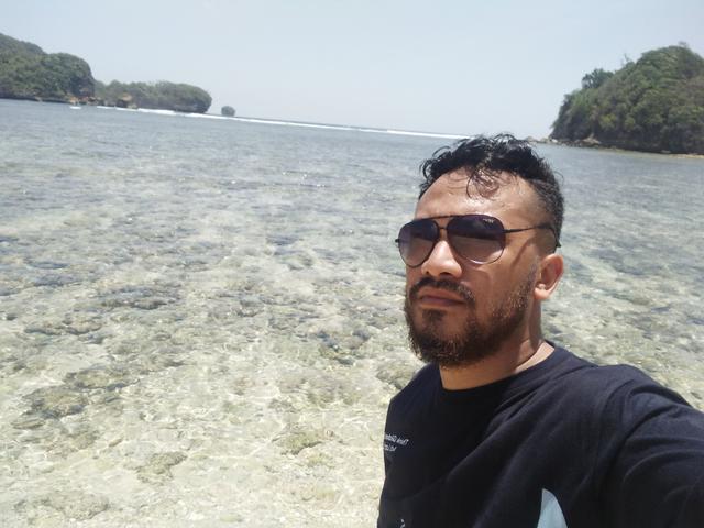 Pantai Tiga Warna, Gradasi Warna Pantai Malang Selatan (549362)