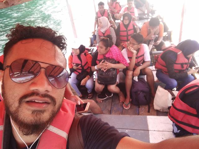 Pantai Tiga Warna, Gradasi Warna Pantai Malang Selatan (549364)