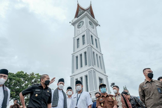 Sandiaga Uno: Bukittinggi Tulang Punggung Pariwisata Sumbar (57715)